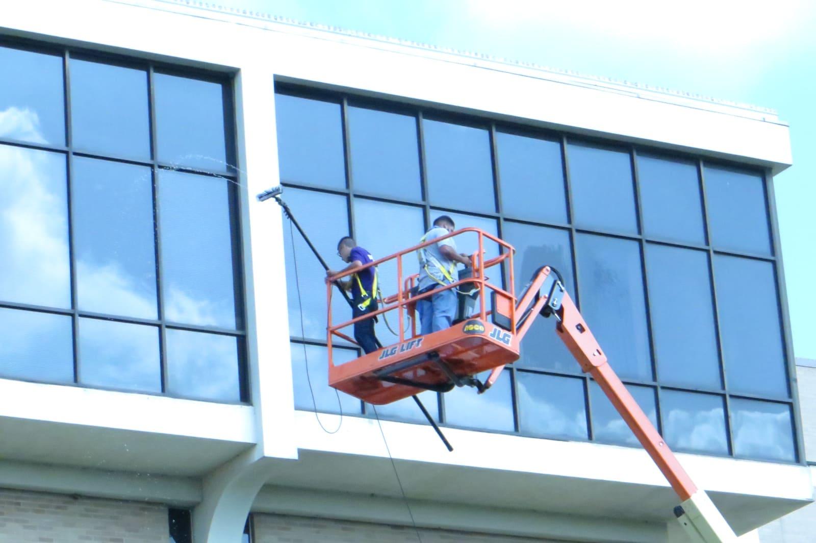 Nettoyage vitrerie nacelle